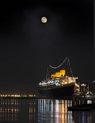 Photograph - Honey Moon Reflects With The Queen By Denise Dube by Denise Dube