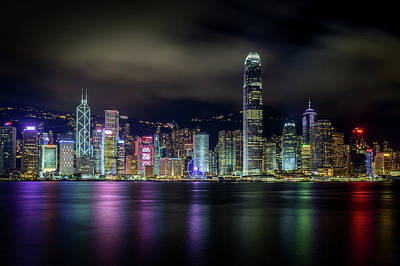 Hong Kong Wall Art - Photograph - Hong Kong Skyline by Tom Wang