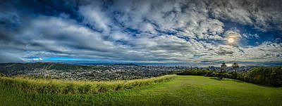Photograph - Honolulu by Chris Multop