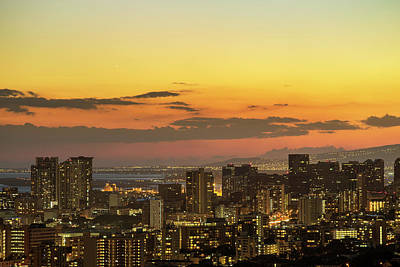 Honolulu Skyline Art Print