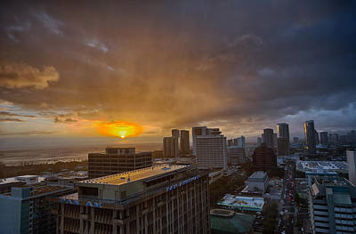 Panam Photograph - Honolulu Sunset by Dan McManus