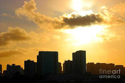Photograph - Honolulu's Silhouette by Elizabeth Winter