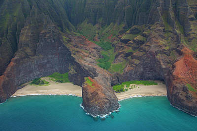 Honopu Beach, Napali Coast, Kauai Art Print by Douglas Peebles
