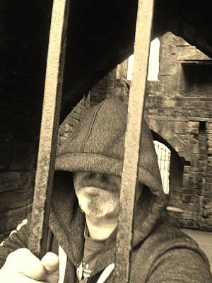 Kenilworth Castle Wall Art - Photograph - Hooded Prisoner by Gav