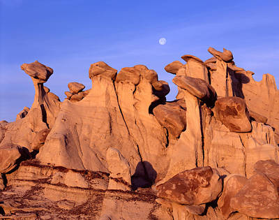 Photograph - Hoodoo Cluster Moon by Tom Daniel