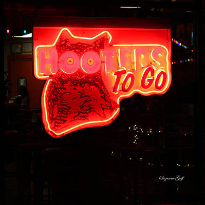 Close Up Photograph - Hooters by Suzanne Gaff