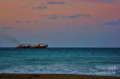 Photograph - Hopper Dredge 2 by Lynda Dawson-Youngclaus