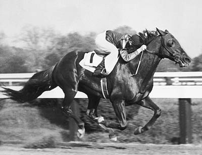Horse Racing Photograph - Horse Racing At Pimlico Track by Underwood Archives