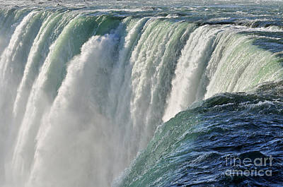 Photograph - Horseshoe Falls by Rodney Campbell