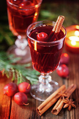 Photograph - Hot Mulled Wine With Crab Apples by 5ugarless