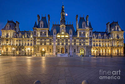 Photograph - Hotel De Ville - Twilight by Brian Jannsen