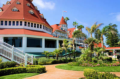 Photograph - Hotel Del Coronado Grounds by Jane Girardot