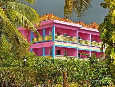 Hotel Jamaica Art Print by Linda Bianic