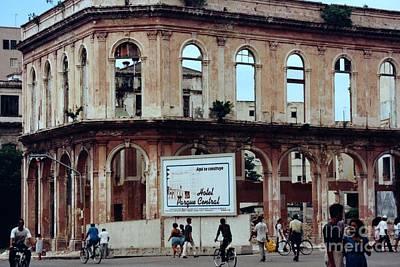 Photograph - Hotel Parque Central La Havana Cuba by Rafael Salazar