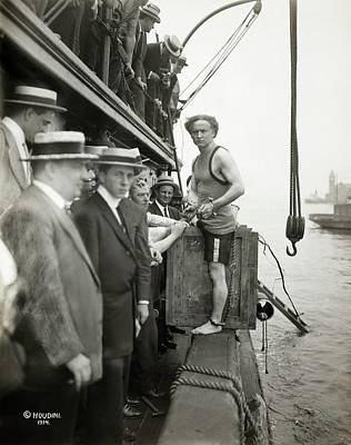 Houdini Photograph - Houdini Escape Stunt by Library Of Congress