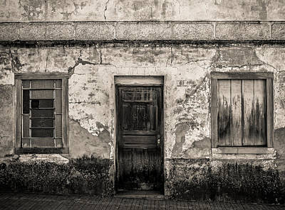 Old House Photograph - House 67 by Raphael Campelo