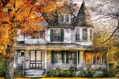 Frame House Photograph - House - Classic Victorian by Mike Savad