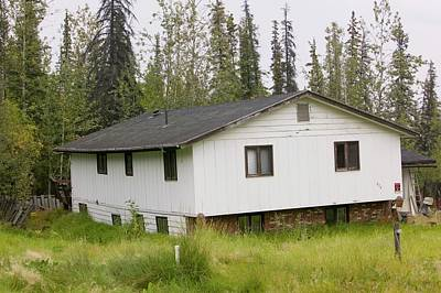 House In Fairbanks Alaska Collapsing Art Print
