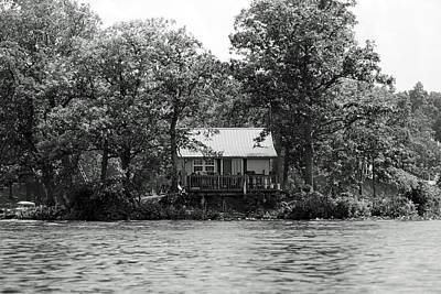Photograph - House On An Island by Thomas Fouch