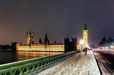 Snowy Night Photograph - Houses Of Parliament And Big Ben by Daniel Sambraus