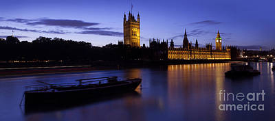 House Of Commons Photograph - Houses Of Parliament At Dusk by Simon Kayne