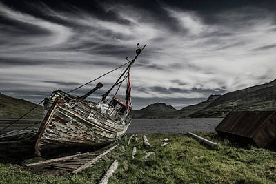 Shipwreck Wall Art - Photograph - Hra?nn by Bragi Ingibergsson -