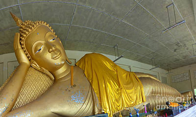 Sleeping Buddha Photograph - Hua Hin Reclining Buddha 03 by Antony McAulay