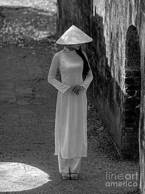 Photograph - Hue Girl by Tran Minh Quan