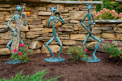 Photograph - Humorous Yard Art by Gene Sherrill