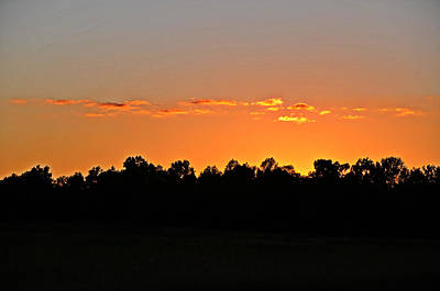 Photograph - Hurry Sundown by Linda Brown