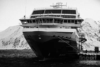 hurtigruten ms midnatsol berthed in Honningsvag harbour Art Print by Joe Fox
