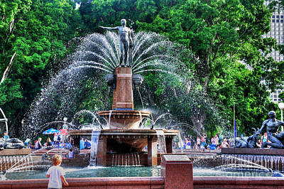 Photograph - Hyde Park Fountain by Kaye Menner