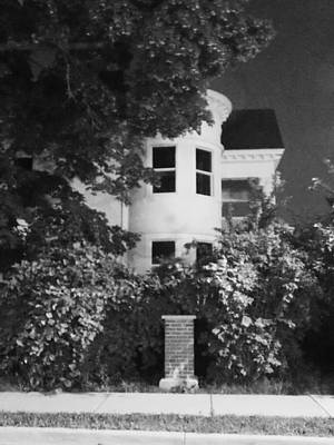 Photograph - I Leave Old House To Go by Guy Ricketts