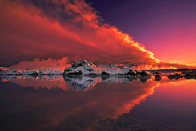 Red Sky Wall Art - Photograph - Ice & Fire by ?orsteinn H. Ingibergsson