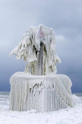 Ice Covered Warning Tower Along Lake Michigan In St. Joseph Michigan Art Print by Peter Ciro