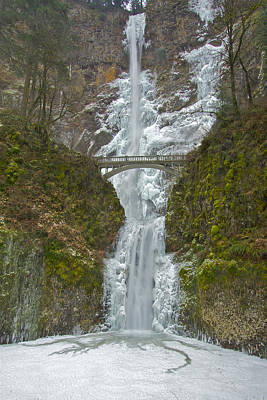 Photograph - Icy Multnomah Falls 120713a by Todd Kreuter