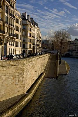 Ile St Louis Photograph - Ile Saint-louis Paris by Anders Hingel