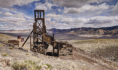 Nevada Photograph - Illinois Mine Hillside by Dianne Phelps