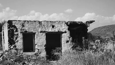 Photograph - In Ruins by Diane Miller
