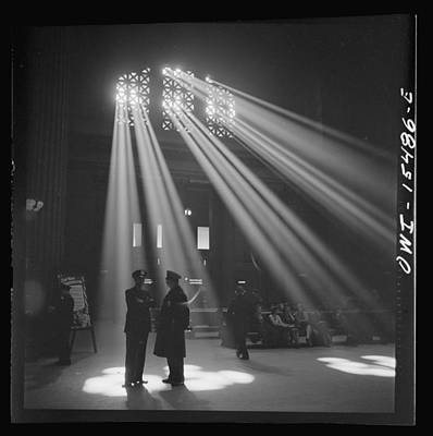 Photograph - In The Waiting Room At Chicago Union Station by Historic Photos