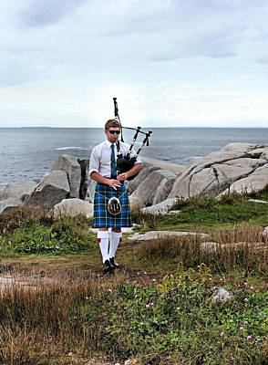 Bagpipes Wall Art - Photograph - Incognito by Kristin Elmquist