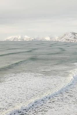 Incoming Waves Art Print