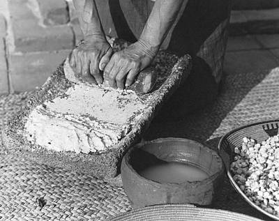 Flour Photograph - Indains Making Corn Flour by Underwood Archives Onia