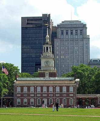 Ethereal - Independence Hall by Barbara McDevitt