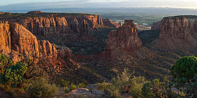 Photograph - Independence Monument - Colorado National Monument by Aaron Spong
