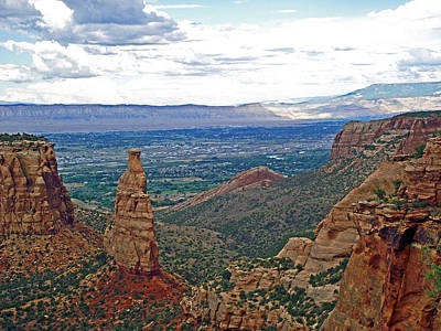 Independence Monument In Colorado National Monument Near Grand Junction-colorado Art Print
