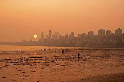 Slums Photograph - India, Maharashtra, Mumbai, Chowpatty by Anthony Asael