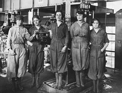 The Great War Photograph - Industrial Factory Workers by Hagley Museum And Archive