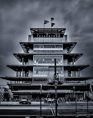Indy 500 Pagoda - Black And White Art Print by Ron Pate