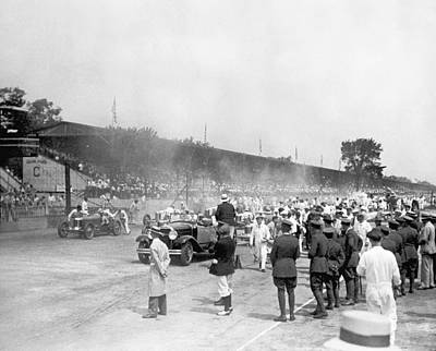 Of Indiana Photograph - Indy 500 Race by Underwood Archives
